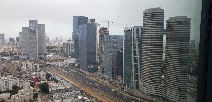 """1,650 מ""""ר קומה שלימה להשכרה במגדל חדש בבורסה, עוד נוף"""
