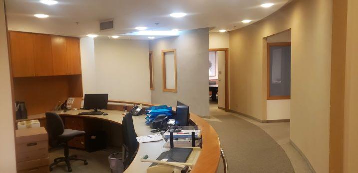 """(215+170) מ""""ר משרד להשכרה במגדל מרכזי בבורסה, כניסה למשרד"""
