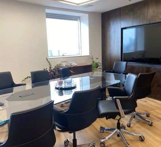 """120 מ""""ר משרדים המגדל משה אביב בבורסה, חדר ישיבות"""