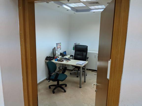 120 משרדי היי טק מובהקים על יגאל אלון, חדר עבודה