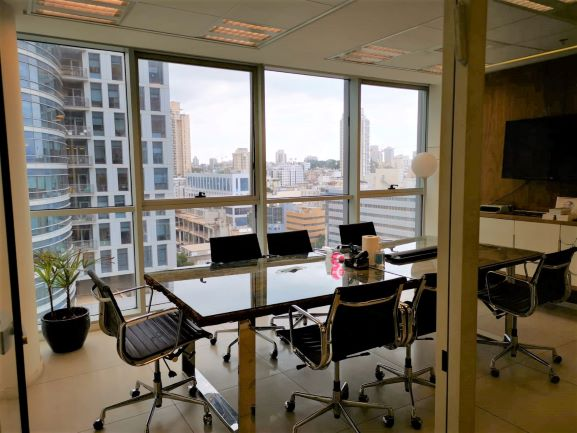"""200 מ""""ר משרדים יוקרתיים להשכרה במתחם בסר, חדר ישיבות"""