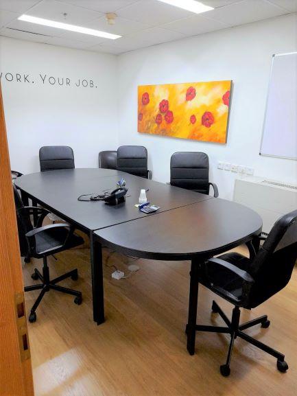 """128 מ""""ר משרדים מטופחים להשכרה במגדל התאומים בבורסה, חדר ישיבות"""