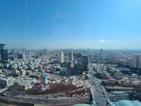 """224 מ""""ר משרד נדיר להשכרה במגדל עזריאלי, ק' גבוהה, נוף לים."""