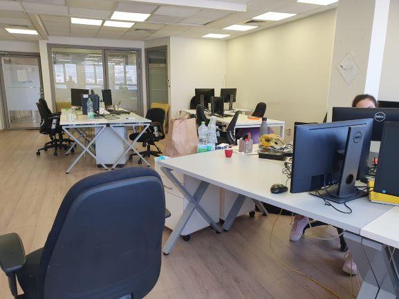 """בדרום ת""""א 200 (90+11) מ""""ר משרדים מתוחזקים ברמה גבוהה, אופן ספייס"""
