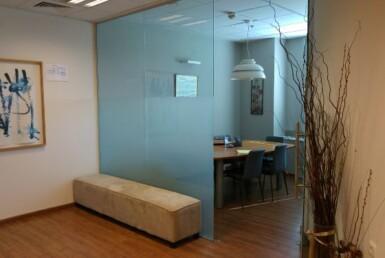 """138 מ""""ר בגזרת יד חרוצים משרד יפה, מרווח ונעים, מחולק ומסודר[ חדר עבודה"""