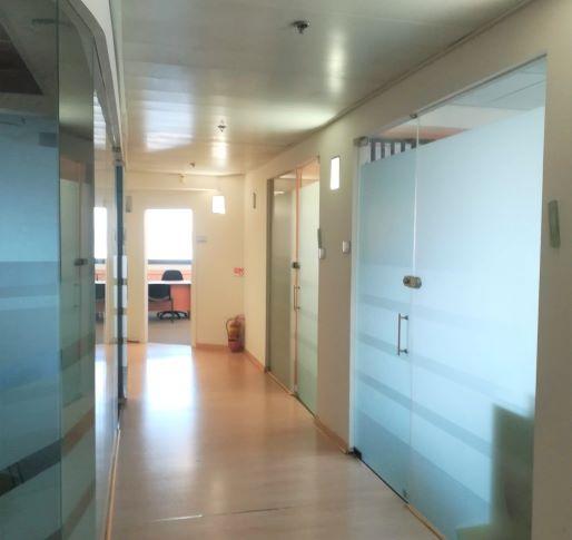 """312 מ""""ר משרד ביפו, מרווח משופץ ומואר, מסדרון"""