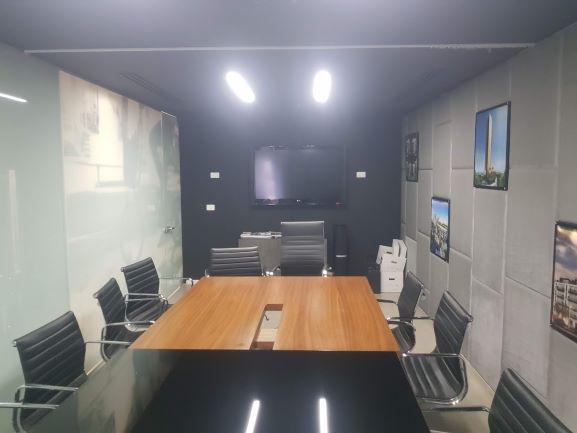 """450X2 מ""""ר קומה עצמאית מופלאה, הרבה חדרים ואופן ספייס,פרפקט להיי טק וחברות הזנק. חדר ישיבות"""