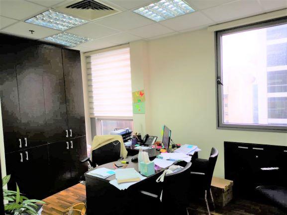משרד מטופח להשכרה במחדר עבודה גדל בסר 2 ק' גבוהה, נוף לפארק, חדר עבודה