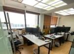 משרדי היי טק מטופחים בבניין משרדים גבוה, קומה גבוהה, אופן ספייס