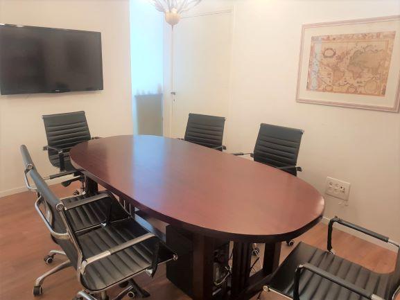 """170 מ""""ר משרד להשכרה במשה אביב, רמת גימור גבוהה ק' גבוהה מאד, חדר ישיבות"""