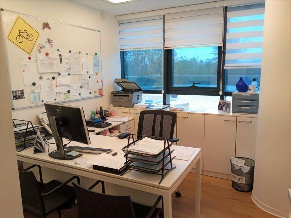 """330 מ""""ר משרד ברמת גימור גבוהה באחוזה רעננה, חדר עבודה 3"""