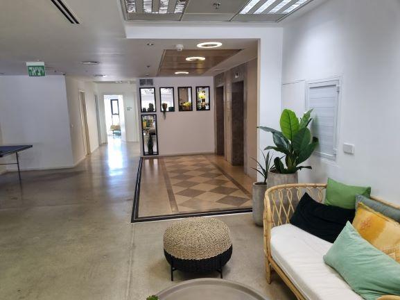 "450X2 מ""ר קומה עצמאית מופלאה, הרבה חדרים ואופן ספייס,פרפקט להיי טק וחברות הזנק. כניסה"