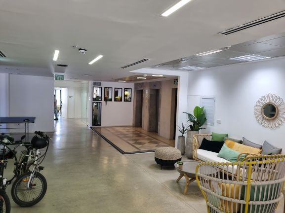 "450X2 מ""ר קומה עצמאית מופלאה, הרבה חדרים ואופן ספייס, פרפקט להיי טק וחברות הזנק. אופן ספייס"
