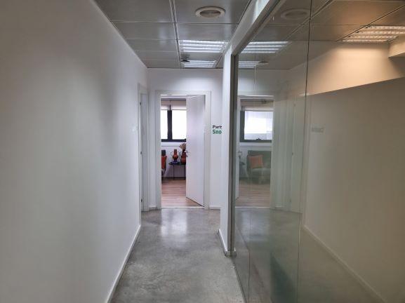 """450X2 מ""""ר קומה עצמאית מופלאה, הרבה חדרים ואופן ספייס, פרפקט להיי טק וחברות הזנק. רצפות פרקט ושיש"""