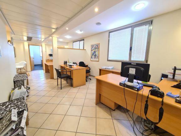 """145 מ""""ר משרדים מטופחים ומוארים בשכונת מונטיפיורי, אופן ספייס"""