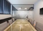 """130 מ""""ר משרדי היי טק מטופחים בשכונת מונטיפיורי, חדר ישיבות"""