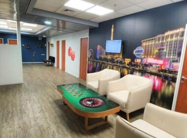"""950 מ""""ר משרד להשכרה, 2 קומות וגג, היי טק, חדר מנוחה"""