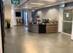 """450 מ""""ר משרד מטופח להשכרה ביגאל אלון, עמדת קבלה ורחבת המתנה"""