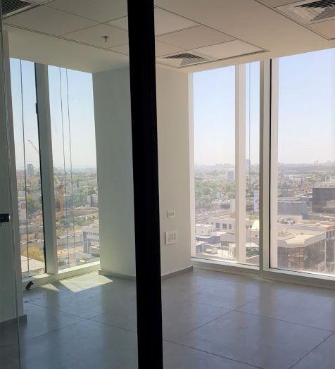 """134 מ""""ר משרדים להשכרה במגדל הכי חדש בת""""א, קומה גבוהה, נוף מרהיב"""