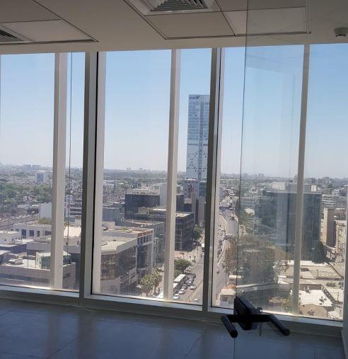 """134 מ""""ר משרדים להשכרה במגדל הכי חדש בת""""א, נוף מרהיב וקומה גבוהה"""