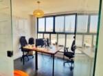 """935 מ""""ר משרדי היי טק מדהימים על גבול בני ברק ר""""ג, חדר עבודה"""