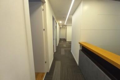 """300 מ""""ר משרד מטופח להשכרה בהרצליה פיתוח, מסדרון"""