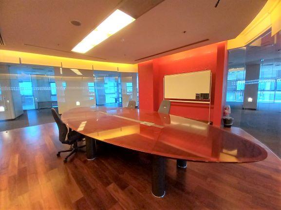 """700 מ""""ר משרד מדהים ומפואר בהרצליה פיתוח, חדר ישיבות 3"""
