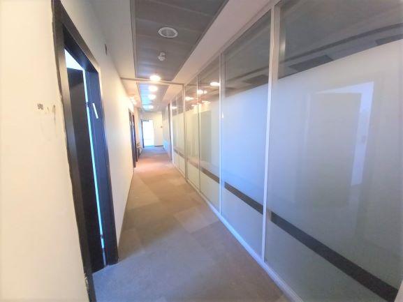 """1,400 מ""""ר משרד להשכרה במגדל פאר בהרצליה פיתוח, מסדרון 2"""