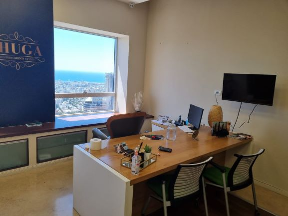 """144 מ""""ר משרדים להשכרה במגדל משה אביב, ק' גבוהה, מטופחים, חדר עבודה 2"""