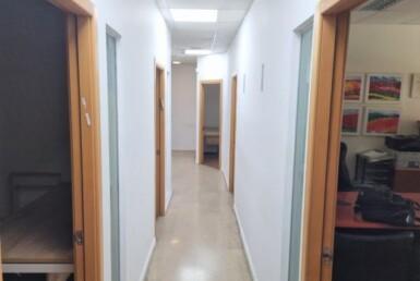 """300 מ""""ר משרדים מטופחים בבניין משרדים מנוהל הייטב באזור יד חרוצים, מסדרון"""