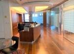 """750 מ""""ר משרדים ברמת פרימיום במגדל ידוע ליד הרכבת, עמדת קבלה ורחבת כניסה"""