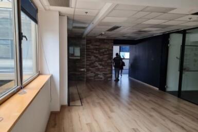 """320 מ""""ר משרד מטופח להשכרה במגדל ידוע ברמת החייל, מסדרון 3"""
