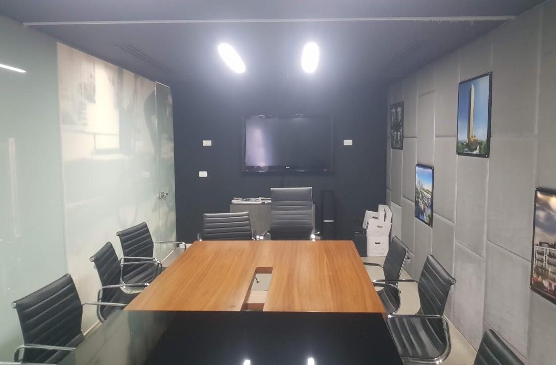 """890 מ""""ר, שני משרדים ברמת כניסה עם אופציה להתאמות ושיפורים, חדר ישיבות"""