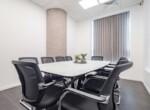 משרד הי טק להשכרה בבני ברק, מטופח ומעוצב אדריכלית, חדר ישיבות