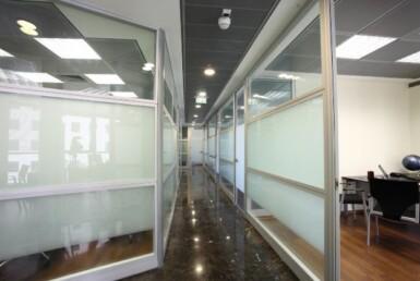 """360 מ""""ר משרד להשכרה במגדלי בסר, ק' גבוהה, נוף לים מסדרון"""