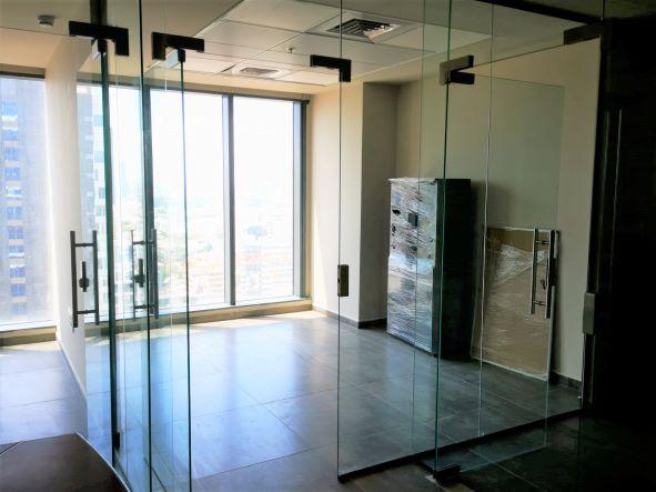 """74 מ""""ר משרד להשכרה חדש וחדיש בגיזרת בסר, ק' גבוהה, נוף לים, הרבה אור, חדר עבודה"""