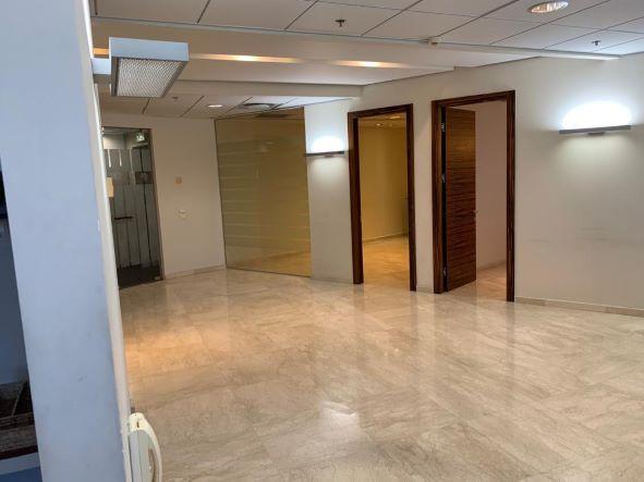 """145 מ""""ר משרד מטופח בגימור גבוה בק' גבוהה במגדל משה אביב, חדרים מבחוץ"""