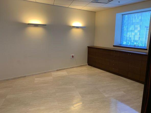 """145 מ""""ר משרד מטופח בגימור גבוה בק' גבוהה במגדל משה אביב, חדר עבודה"""