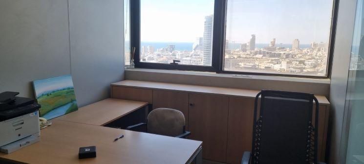 """140 מ""""ר משרד מיוחד ומהודר על שד' רוטשילד, נוף לים, חדר עבודה"""