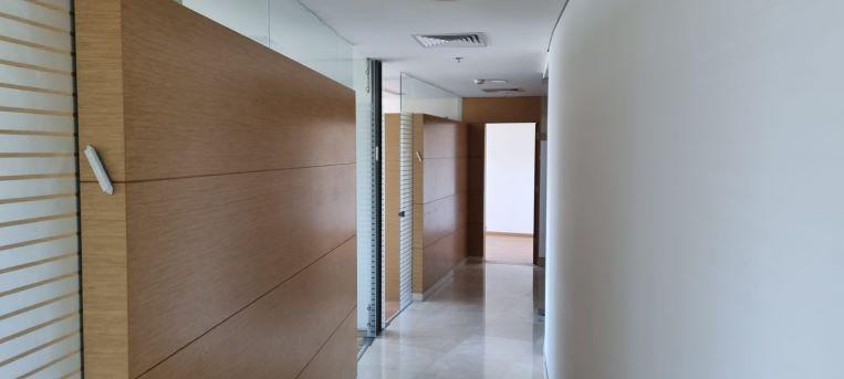 """483 מ""""ר משרד להשכרה במגדל מרכזי ליד בית משפט השלום ת""""א, מסדרון 2"""
