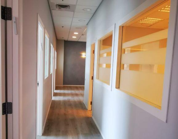 """250 מ""""ר משרד להשכרה בבנין בוטיק בגיזרת בסר, מסדרון"""