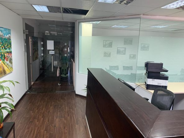 """235 מ""""ר משרד עו""""ד קלאסי להשכרה בת""""א, מול ככר רבין, כניסה"""
