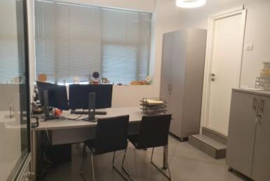 """330 מ""""ר משרד מטופח להשכרה בקיבוץ גלויות, חדר עבודה"""