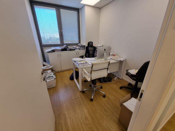 """540 מ""""ר משרד מטופח להשכרה בבנין בוטיק בבורסה בר""""ג, חדר עבודה"""
