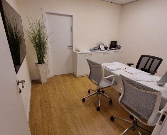 """540 מ""""ר משרד מטופח להשכרה בבנין בוטיק בבורסה בר""""ג, חדר ישיבות 3"""