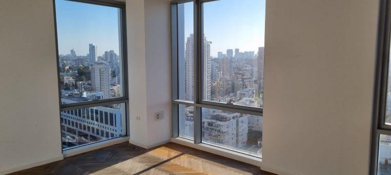 """550 מ""""ר משרד להשכרה במגדל מרכזי בגזרת בסר,חדר עבודה עם נוף"""