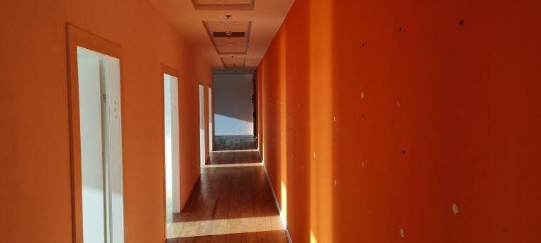 """550 מ""""ר משרד להשכרה במגדל מרכזי בגזרת בסר, מסדרון"""